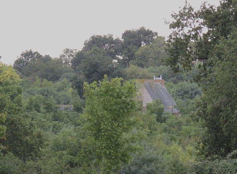 Photo du Monument Historique Manoir de Pontigné situé à Auvers-le-Hamon