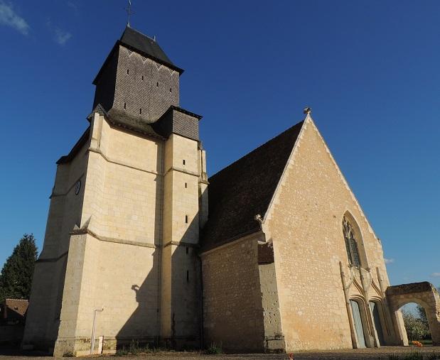 Photo du Monument Historique Eglise paroissiale Saint-Pierre situé à Avezé