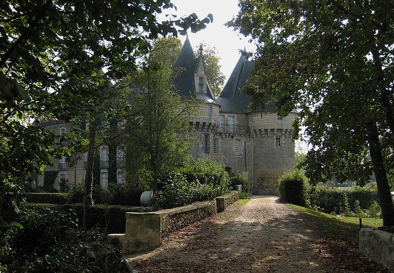 Photo du Monument Historique Château de Bazouges situé à Bazouges-sur-le-Loir