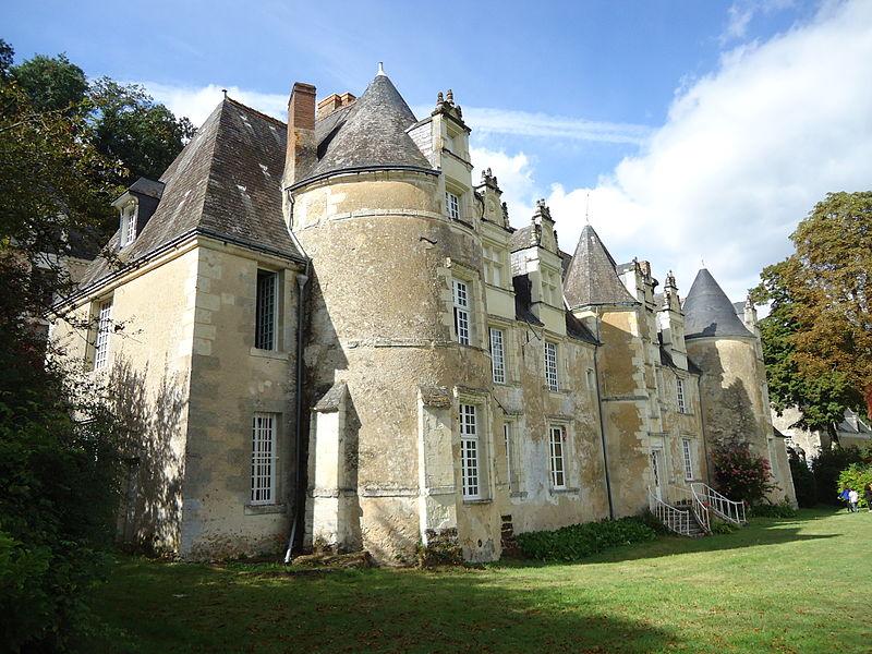 Photo du Monument Historique Château de Benehard situé à Chahaignes