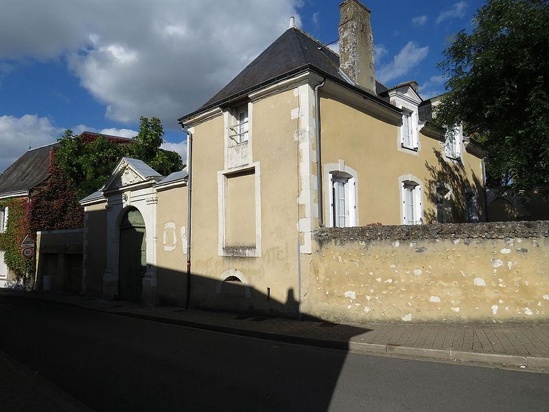 Photo du Monument Historique Hôtel Guillot de la Poterie situé à Château-du-Loir