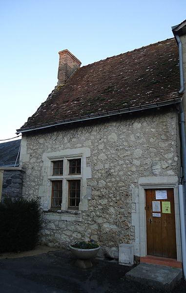 Photo du Monument Historique Maison situé à Luché-Pringé