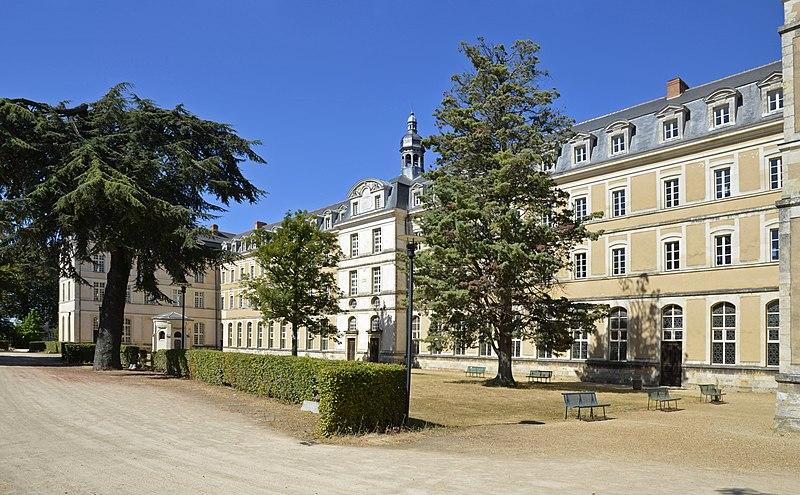 Photo du Monument Historique Anicenne abbaye Saint-Vincent, actuellement lycée Bellevue situé à Mans (Le)