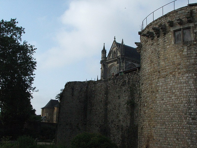 Photo du Monument Historique Château des Comtes du Maine situé à Mans (Le)