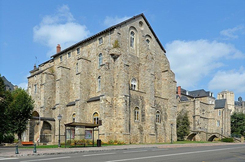 Photo du Monument Historique Collégiale de Saint-Pierre-de-la-Cour situé à Le Mans