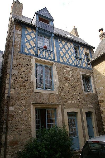 Photo du Monument Historique Maison sise au Nord-Ouest de la Cour d'Assé situé à Le Mans