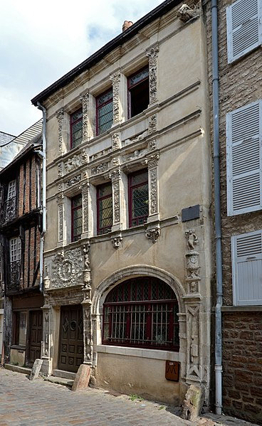 Photo du Monument Historique Maison dite d'Adam et Eve situé à Le Mans