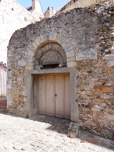 Photo du Monument Historique Porte Romane situé à Le Mans