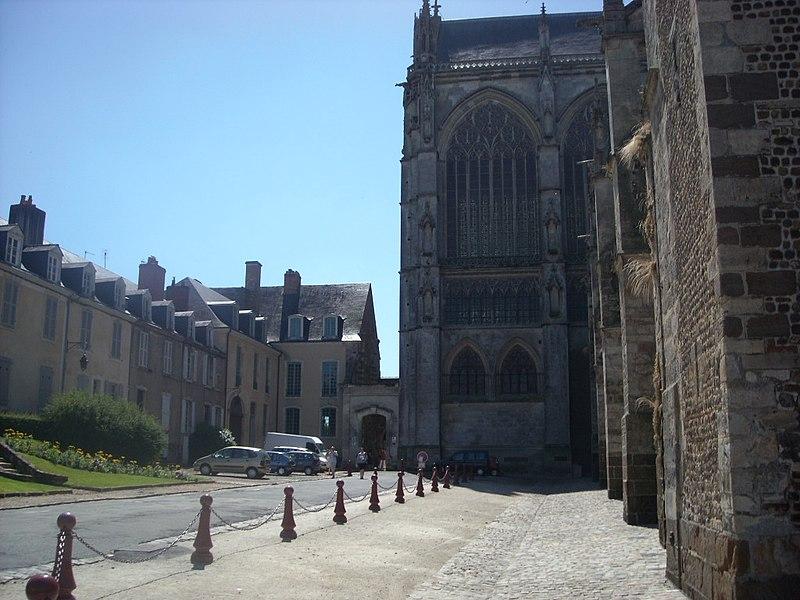 Photo du Monument Historique Bâtiment de la Psalette situé à Le Mans