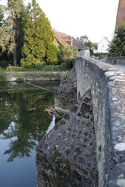 Photo du Monument Historique Pont dit romain ou roman situé à Maresché