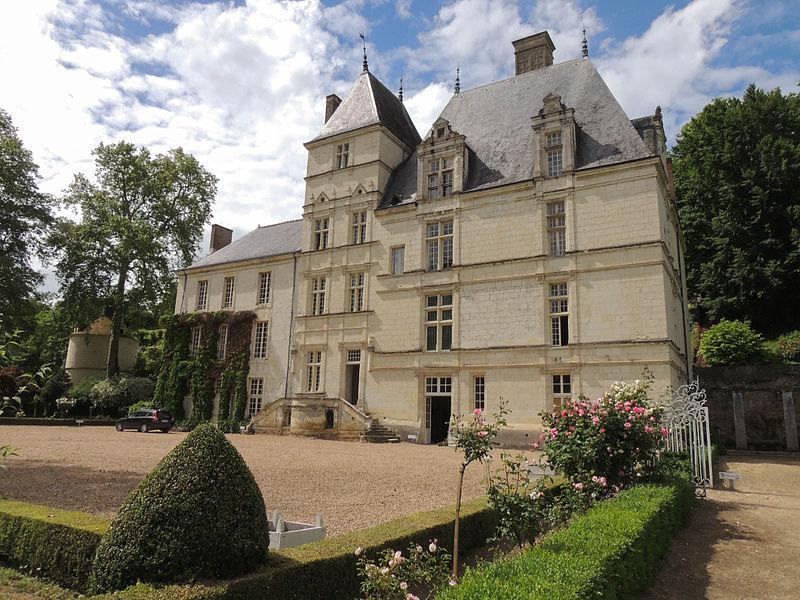 Photo du Monument Historique Château de Poncé situé à Poncé-sur-le-Loir