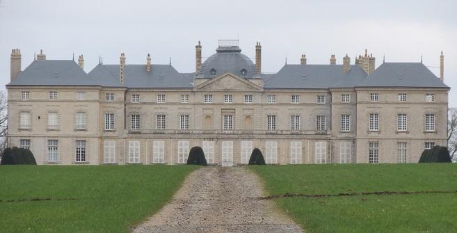 Photo du Monument Historique Château de Sourches situé à Saint-Symphorien