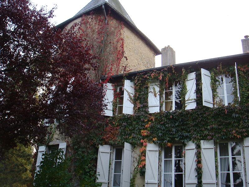 Photo du Monument Historique Château des Etangs situé à Saint-Vincent-du-Lorouër