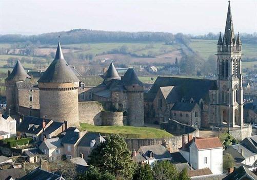 Photo du Monument Historique Château situé à Sillé-le-Guillaume