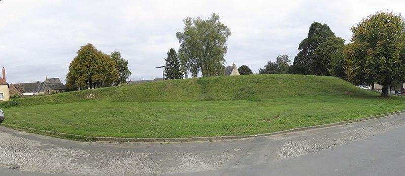Photo du Monument Historique Site archéologique du château de Brûlon situé à Brûlon