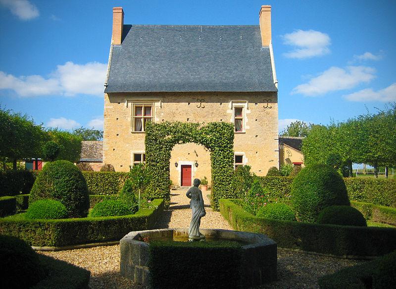 Photo du Monument Historique Manoir des Claies situé à Asnières-sur-Vègre