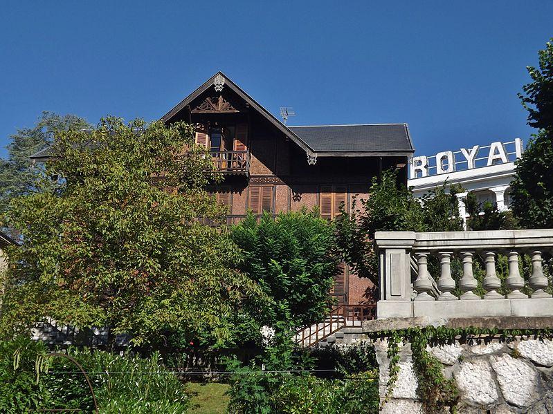 Photo du Monument Historique Chalet Charcot et son annexe situé à Aix-les-Bains