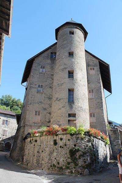 Photo du Monument Historique Maison à tourelles situé à Albertville