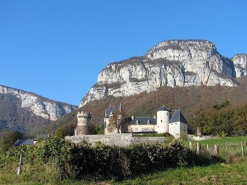 Photo du Monument Historique Château de la Batie situé à Barby