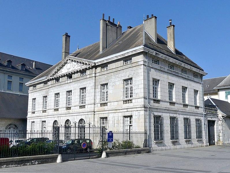 Photo du Monument Historique Hôtel des Douanes situé à Chambéry