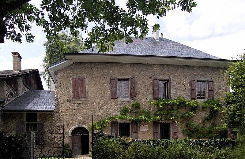 Photo du Monument Historique Maison des Charmettes situé à Chambéry
