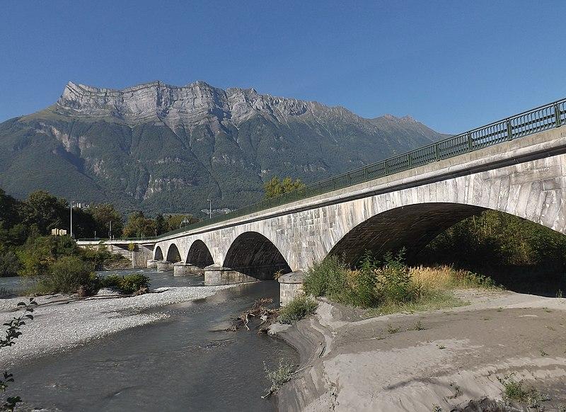 Photo du Monument Historique Tunnel hydraulique du Gelon et pont Royal situé à Chamousset