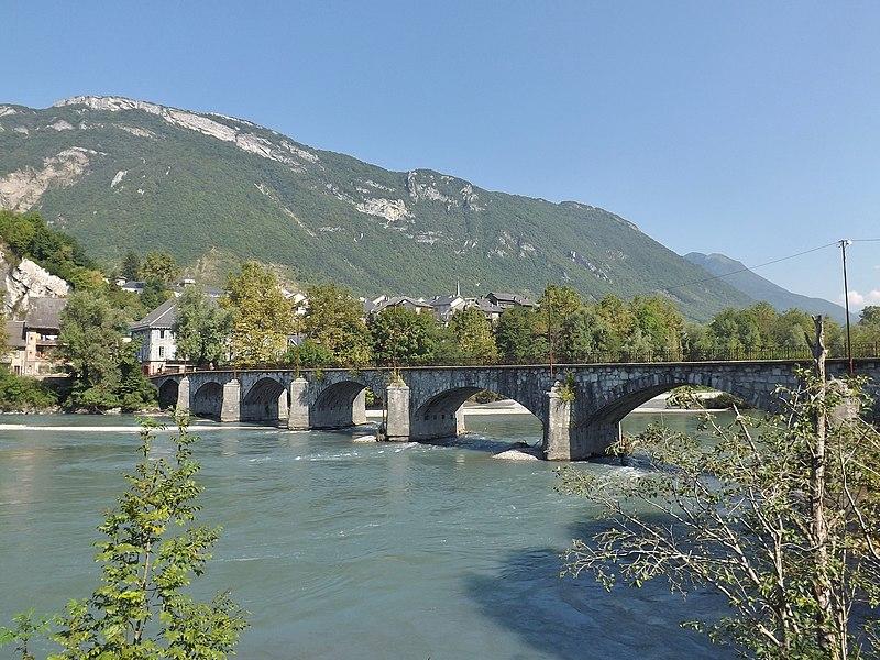 Photo du Monument Historique Pont Morens (également sur commune de La Chavanne) situé à Montmélian