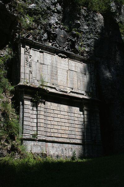 Photo du Monument Historique Monument à Charles-Emmanuel II de Savoie situé à Saint-Christophe