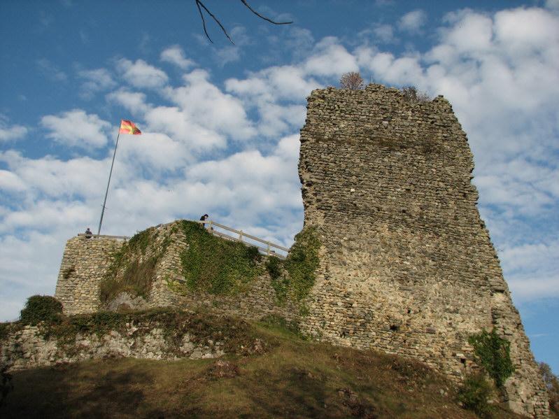Photo du Monument Historique Domaine des châteaux d'Allinges ou des Allinges situé à Allinges
