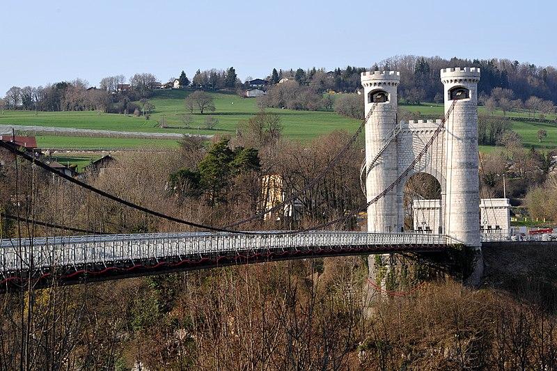 Photo du Monument Historique Pont suspendu de la Caille (également sur commune de Cruseilles) situé à Allonzier-la-Caille