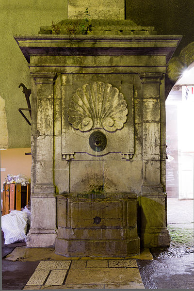 Photo du Monument Historique Fontaine situé à Annecy