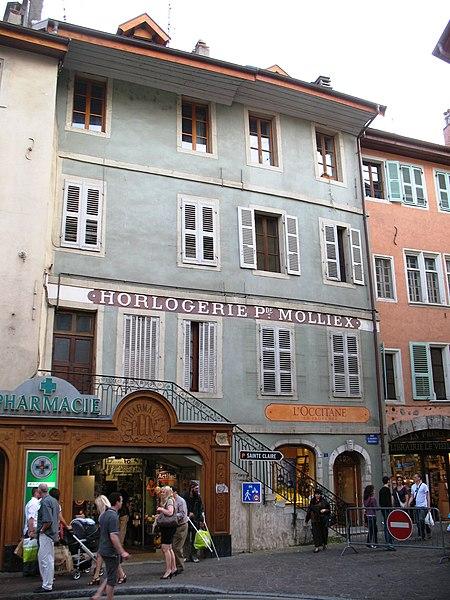 Photo du Monument Historique Magasin de commerce (pharmacie) situé à Annecy