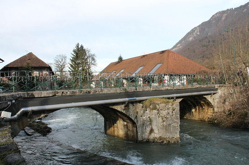 Photo du Monument Historique Pont sur l'Eau Morte situé à Doussard