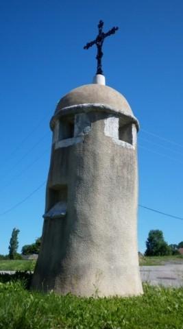 Photo du Monument Historique Lanterne des Morts situé à Nonglard