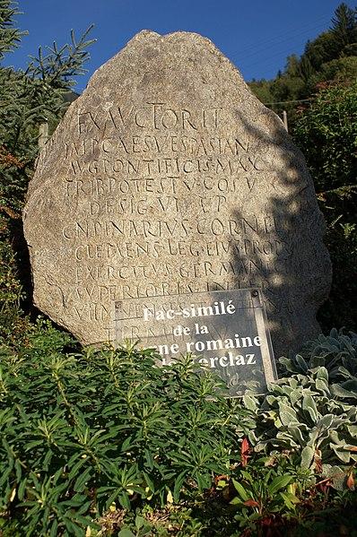 Photo du Monument Historique Inscription romaine du col de la Forclas situé à Saint-Gervais-les-Bains