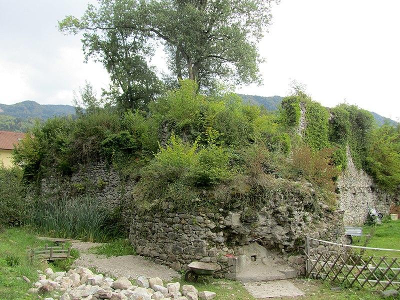 Photo du Monument Historique Château de Cursinges situé à Perrignier