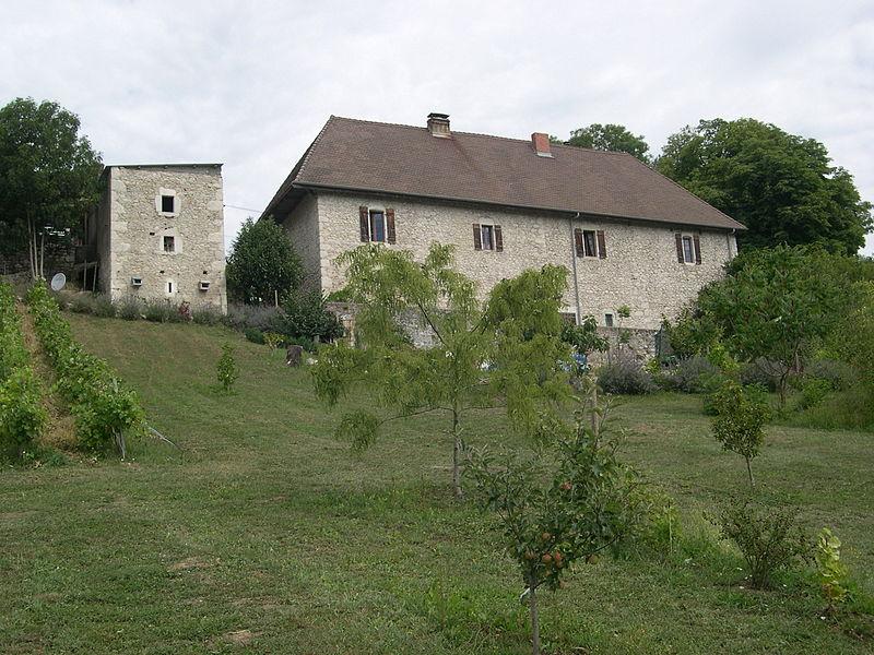 Photo du Monument Historique Ferme de Bel-Air situé à Frangy