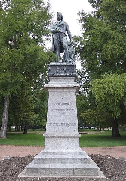 Photo du Monument Historique Statue de Berthollet situé à Annecy