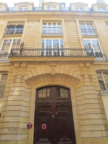 Photo du Monument Historique Ancien hôtel de Villeroy ou ancien hôtel de la Poste situé à Paris 1er Arrondissement