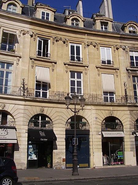 Photo du Monument Historique Ancien hôtel Pellé de Montaleau, ou hôtel de Bosredon situé à Paris 2e Arrondissement