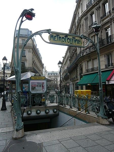 Photo du Monument Historique Métropolitain, station Quatre-Septembre situé à Paris 2e Arrondissement