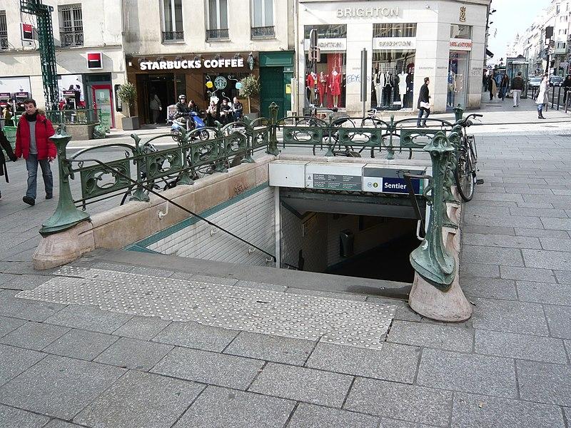 Photo du Monument Historique Métropolitain, station Sentier situé à Paris 2e Arrondissement