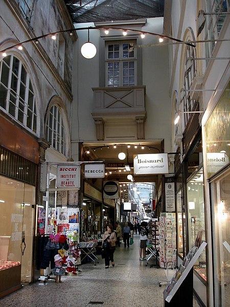 Photo du Monument Historique Passage Choiseul et passage Sainte-Anne situé à Paris 2e Arrondissement