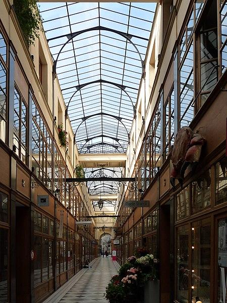 Photo du Monument Historique Passage du Grand-Cerf (n° 1 à 59 et n° 2 à 58) situé à Paris 2e Arrondissement