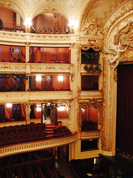 Photo du Monument Historique Théâtre de l'Opéra-Comique, dit salle Favart situé à Paris 2e Arrondissement