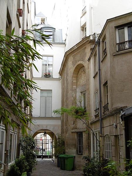 Photo du Monument Historique Vestiges de l'ancienne chapelle Saint-Julien-des-Enfants-Rouges situé à Paris 3e Arrondissement