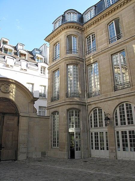 Photo du Monument Historique Hôtel de Montmor ou de Montholon situé à Paris 3e Arrondissement