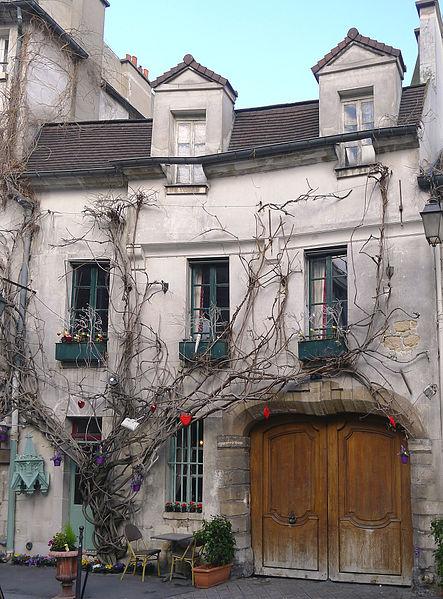 Photo du Monument Historique Ancienne chapelle Saint-Aignan situé à Paris 4e Arrondissement