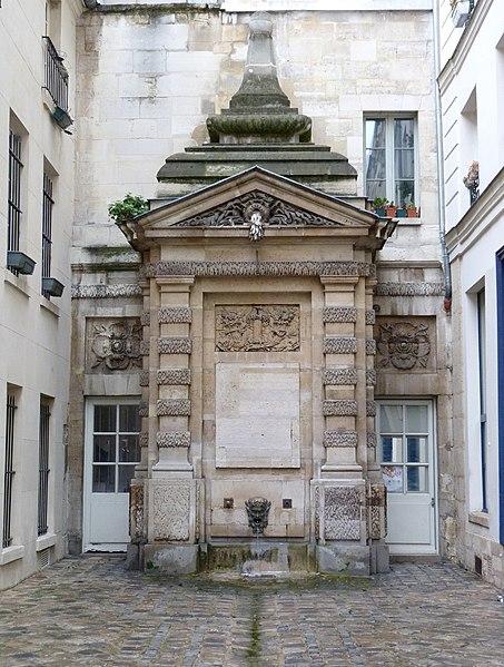 Photo du Monument Historique Fontaine dite de Jarente situé à Paris 4e Arrondissement