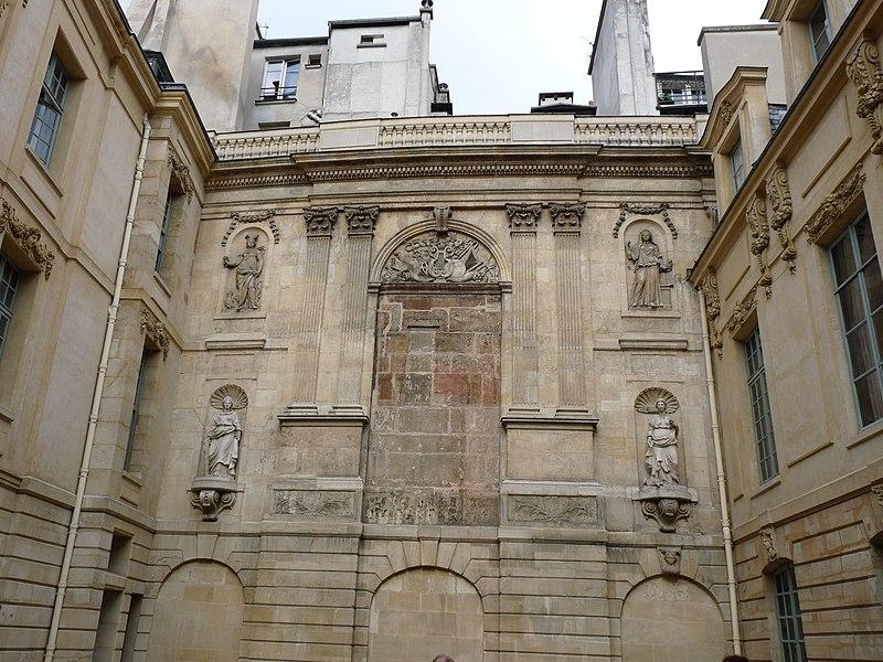 Photo du Monument Historique Hôtel des Ambassadeurs de Hollande situé à Paris 4e Arrondissement